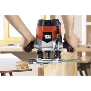Black & Decker RP250 wood router review3